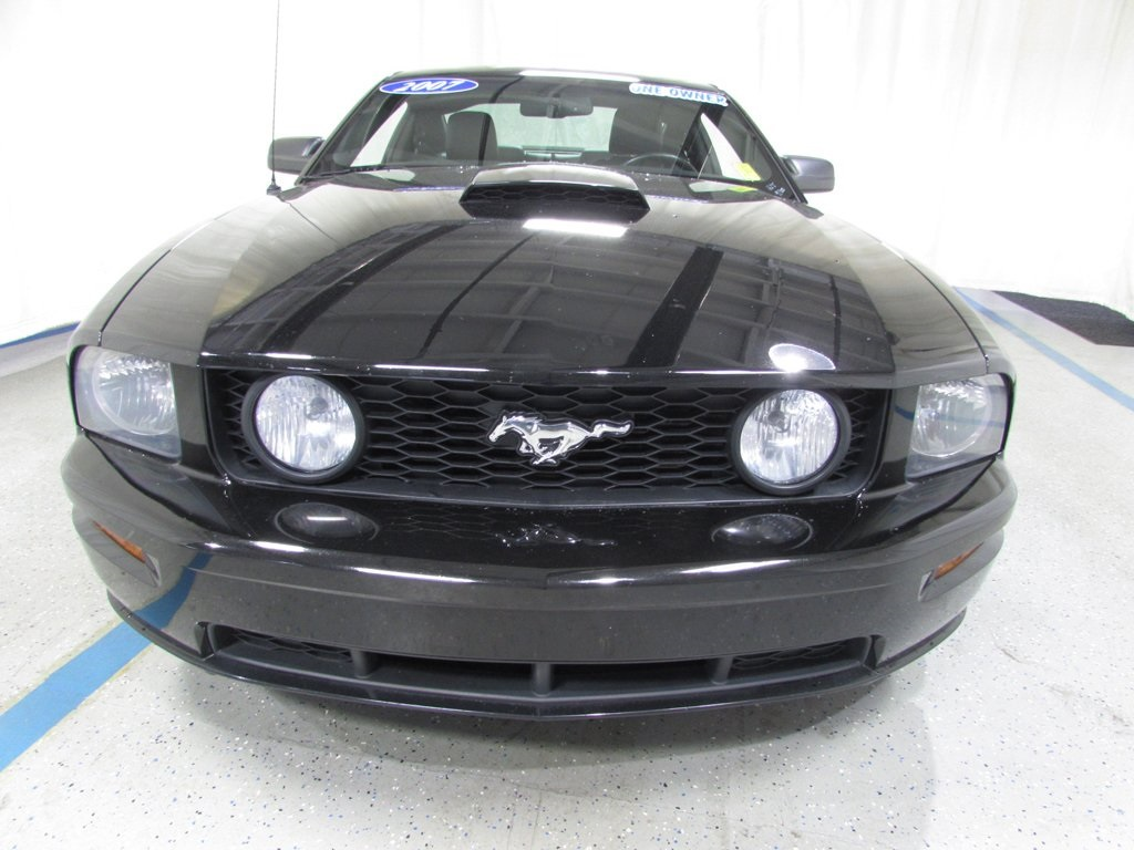 Used 2007 Ford Mustang #3070AT | Matthews-Hargreaves Chevrolet