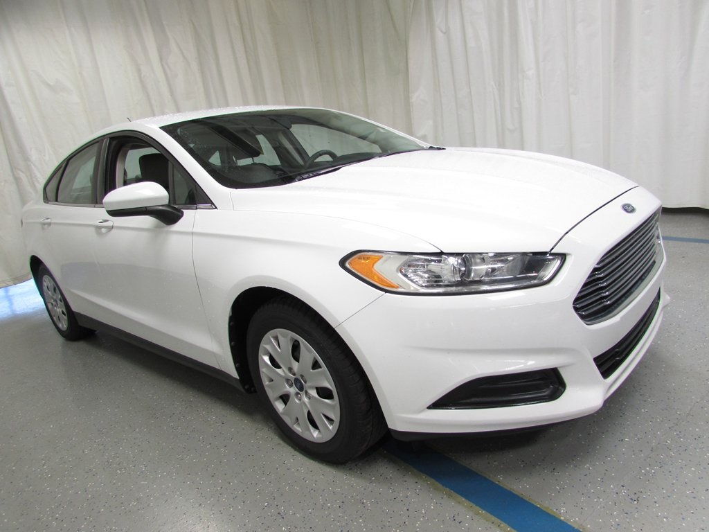 Pre owned 2013 ford fusion s