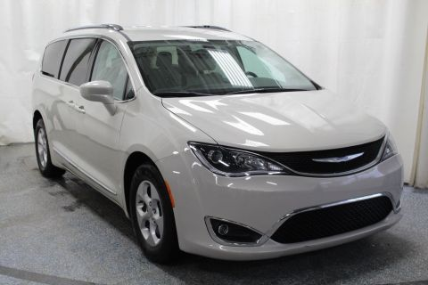 Pre-Owned 2017 Chrysler Pacifica Touring L Plus